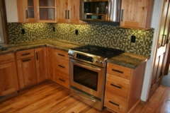 Kitchen-Counter-and-Backsplash
